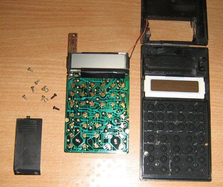 Casio FX-180P détail carte-mère + intérieur clavier